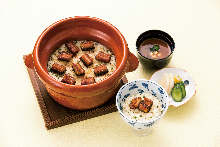 Rice cooked with eel