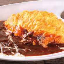 Hashed meat omelet over rice