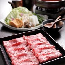 北海道 十勝和牛と手作り豆富厚揚のすきやき鍋