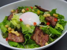 Bacon and slow-poached egg salad