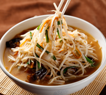 Bean sprouts Chinese noodles