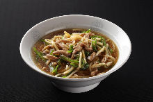 Chinese noodles with meat