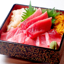Raw fatty tuna rice bowl