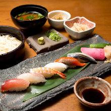 寿司盛合せと稲庭うどん御膳