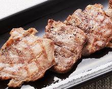 Stir-fried pork tongue with salt