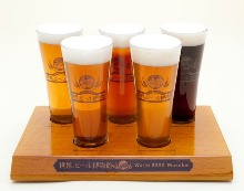 A set of five kinds of beer