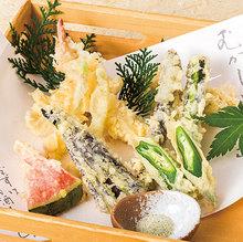 旬の天ぷら盛合せ