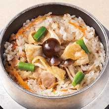 Kamameshi (pot rice) of the season