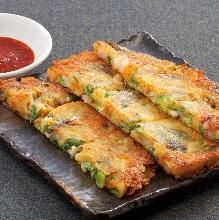 Seafood and green onion pajeon