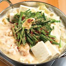 牛もつ鍋 白味噌豆乳スープ