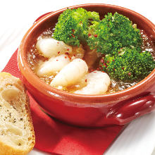 Shrimp and broccoli ajillo