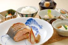 "Grilled fish, ""Yuan-yaki"""