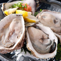 Please come enjoy all-you-can-eat courses of fresh oysters, grilled oysters, and steamed oysters!