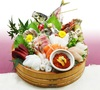 [Sashimi] 10-Piece Assortment of Fresh Fish, including live horse mackerel