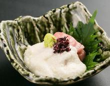 Tuna yamakake (grated yam)