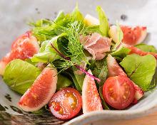 Salad of dry-cured ham and seasonal vegetables