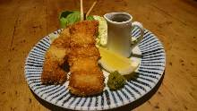 Fried Japanese leek and tuna skewer