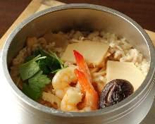 Gomoku kamameshi (pot rice)