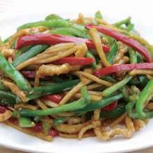 Stir-fried pork and green peppers