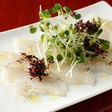活〆白身魚のカルパッチョ