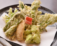 Assorted vegetable tempura
