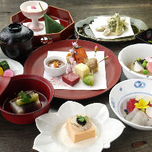 7,700 JPY Course (8 Items)