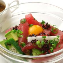 Tuna and avocado yukhoe