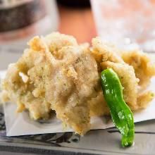 Seaweed-wrapped fried food