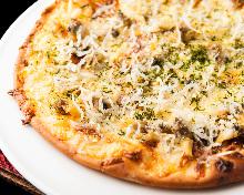 しらすと浅利のチーズピザ 青のり風味