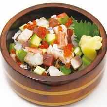 びんちょうマグロと鮮魚のバラちらし鮨