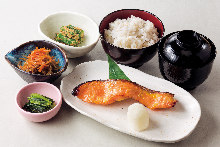 Grilled fish set meal
