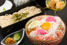 Chirashi seafood rice bowl and soba meal set