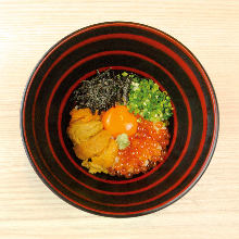 Tamagokake gohan (rice with raw egg) (Sea urchin,Salmon roe)