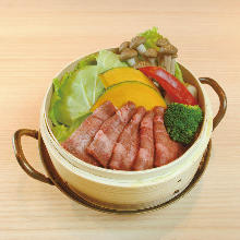 Steamed in a bamboo steamer (Beef tongue,Vegetable)