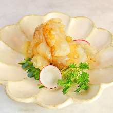 Chilled jellyfish dish