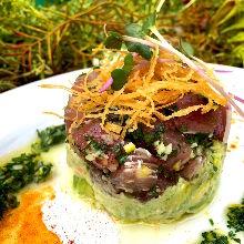 Tuna tartare salad