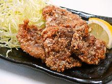 Marinated deep-fried whale (seasoned with soy sauce)