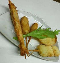 Assorted fried skewers