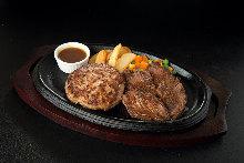 Aged steak and aged hamburger steak combination plate