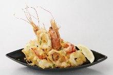 Assorted seafood tempura