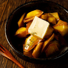 Butter-sauteed sweet potato with honey