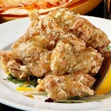 Fried chicken with tartar sauce