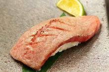 Seared meat sushi