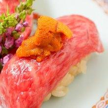 Sea urchin on beef sushi