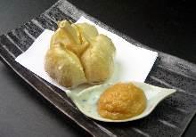 Fried whole garlic
