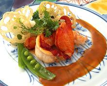 ブルターニュ産オマール海老のポワレアメリケーヌソース