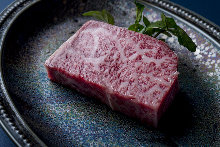 Thickly-sliced sirloin