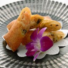 Seafood spring rolls