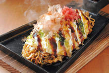 Yakisoba in an omelet