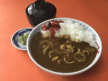 Curry rice bowl set meal, with buckwheat noodles or rice flour udon